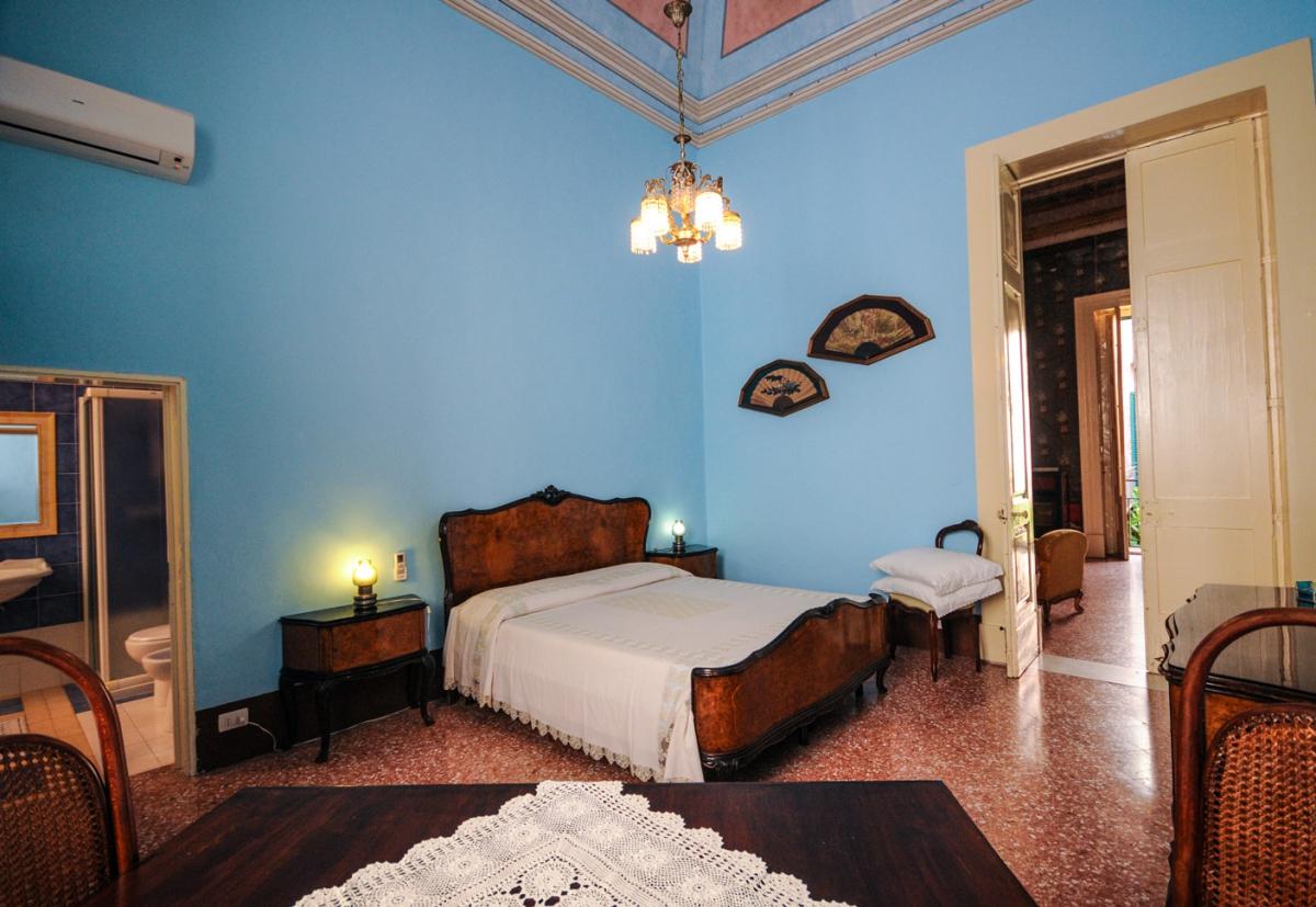 Camera Impero – Palazzo Leuzzi B&B